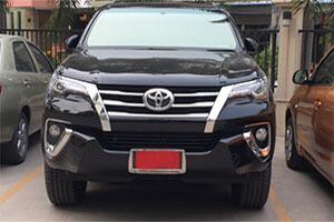 Такси. Паттайя. Бангкок. Аренда машины с водителем. Трансфер. Тип 3. SUV Toyota Fortuner